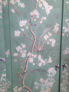 Gracie wallpaper... reminds me of the wonderful picture I failed to snap up before someone else bought it.