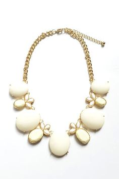 """This Pineapple Statement Necklace is only $13 with code """"SIXSISTERS"""" at www.shopandapparel.com."""