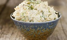 This potato salad recipe calls for jalapeno peppers, which gives it a real kick. This salad goes well with just about anything, but really compliments barbecued pork. Deviled Egg Potato Salad, Creamy Potato Salad, Bacon Deviled Eggs, How To Make Macaroni, Burger Side Dishes, Classic Potato Salad, Make Ahead Salads, Macaroni Salad, How To Cook Eggs