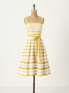 I want this dress.  And I need a lake house to go with it.  And a big sun hat.