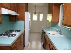 I love the blue tile 70s Kitchen, Kitchens, Kitchen Cabinets, Amazing, House, Home Decor, Decoration Home, Home, Room Decor