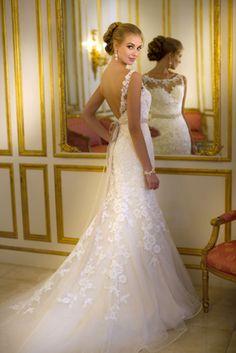 10 Beautifully Rustic Wedding Dresses