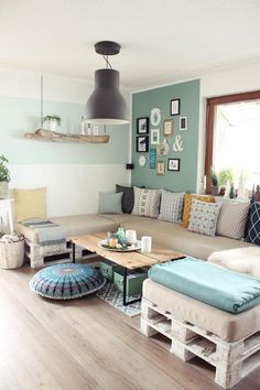 If you are looking for Diy Projects Pallet Sofa Design Ideas, You come to the right place. Below are the Diy Projects Pallet Sofa Design Ideas. Cute Home Decor, Unique Home Decor, Home Decor Items, Pallet Couch, Pallet Furniture, Cinder Block Furniture, House Furniture, Diy Sofa, Room Colors
