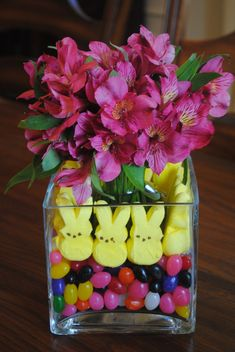 What a cute Easter centerpiece using Peeps