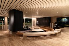 A conversation pit is an architectural features that incorporates built-in seating into a depressed section of flooring within a larger room Sunken Living Room, Living Room Modern, Living Room Decor, Living Spaces, Floor Design, House Design, Conversation Pit, Colani, Penthouse Suite