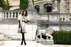 Bucuresti: Alchemia și Iiana- expoziție specială – Le Port Roumaine. C'est Chic! - în noua locație Alchemia – Contemporary Arts Gallery, expoziția cu vânzare poate fi vizitată între 5 și 8 decembrie 2013, între orele 10:00 și 22:00.Ea prezintă cea mai mare și valoroasă selecție de piese vestimentare românești tradiționale a brandului IIANA, peste 1.000 de articole originale pentru sezonul toamnă-iarnă 2013-2014…