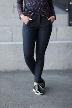 5Units - Angelie Navy Jeggin Leather Pants, Skinny Jeans, Navy, Fashion, Skinny Fit Jeans, Moda, Fashion Styles, Leather Joggers, Leather Leggings