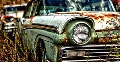 Old, Rusty Classic Cars and Trucks 016 Danny Zuko, John Travolta, Old Trucks, Chevy Trucks, Chevrolet Sedan, Junkyard Cars, Scrap Car, Rusty Cars, Old Classic Cars