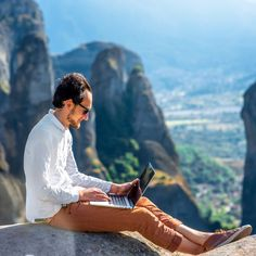 The 15 best paying jobs if you love to travel.