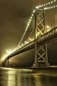 San Francisco At Night, Living In San Francisco, Gate City, California Christmas, Oakland California, Best Cities, Travel Usa, Cool Photos, Places To Go