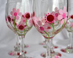 Painted set of 2 Rose Flower wine glasses por MyPaintedSwan en Etsy