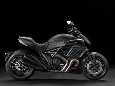 Ducati Diavel Dark Mod. 2013 Marca: DUCATI  Modelo: DIAVEL   Precio de Lista: $280,000.00  Tiempo de entrega: Inmediato   Color: Negro Mate    Pague en línea!