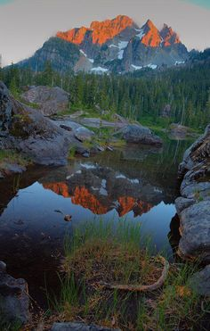 Spectacle Lake, Pacific Crest Trail Section J. Snoqualmie Pass to Stevens Pass- East. I want to hike here! Go Hiking, Hiking Trails, Trekking, Oh The Places You'll Go, Places To Visit, Beautiful World, Beautiful Places, Beautiful Scenery, Fuerza Natural
