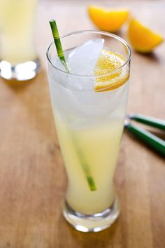 Easy Lemonade Recipe with Honey - it's a summertime favorite with a healthy twist and no refined sugar.   Cook Eat Paleo
