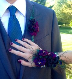Custom Wristlet and Boutonniere Mirage Purple Amethyst by vonlarae Orchid Corsages, Flower Corsage, Wrist Corsage, Blue Wedding Dresses, Wedding Wear, Black Corsage, Prom Bouquet, Prom Corsage And Boutonniere, Prom Couples