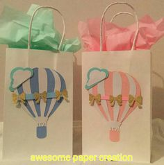Baby Shower Girl Ideas Themes Hot Air Balloon 42 Ideas For 2019 Boy Baby Shower Themes, Baby Shower Balloons, Birthday Balloons, Baby Boy Shower, Hot Air Balloon Paper, Decorated Gift Bags, 1st Birthdays, Party Bags, Favor Bags