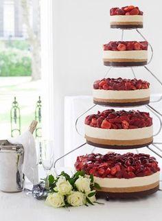Cheesecake wedding cake - 20 amazing alternative wedding cake ideas - sofeminine cheesecake wedding cakes 40 Creative Wedding Cake Pictures For Instant Ideas Creative Wedding Cakes, Cool Wedding Cakes, Wedding Cake Toppers, Unique Wedding Food, 30 Cake Topper, Dessert Wedding, Wedding Cupcakes, Party Wedding, Trendy Wedding