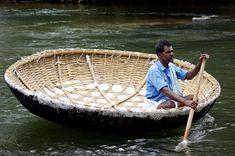 .Basket boat, India. t