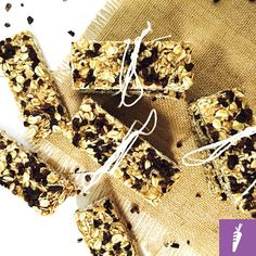 FODMAP & KID-FRIENDLY CHEWY GRANOLA BARS This recipe is bound to become a family favourite! The bars are incredibly nutritious filling and are so simple to make that its a great idea to get the kiddies involved provided they dont eat all the mixture during preparation! Often homemade granola bars lack the chewiness and rich flavor of many store-brought varieties which achieve this consistency through high levels of refined sugar and additives (boo ). Muesli bars also commonly contain dried…