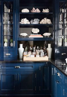 Pawleys Island Posh: Navy Walls + Navy Built-ins + Progress in the Den