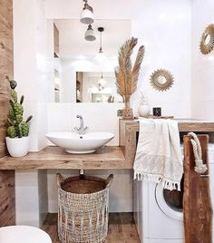 Beautiful master bathroom decor tips. Modern Farmhouse, Rustic Modern, Classic, light and airy master bathroom design some a few ideas. Master Bathroom makeover a few ideas and bathroom remodel tips.