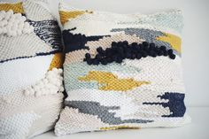 #weaving // woven pillow // handwoven // tissage // coussin by julie robert