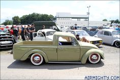 Sick Volkswagen Pick-Up Customised Trucks, Custom Trucks, Vw Classic, Classic Trucks, Kombi Pick Up, Vw Rat Rod, Vw Pickup, Kdf Wagen, Beach Buggy