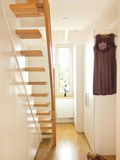 Best Narrow Stairs To The Attic Something Like This To 640 x 480