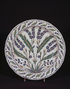 Dish, fritware, painted in colours with saz leaves and floral sprays, Iznik, ca. Glazes For Pottery, Ceramic Pottery, Pottery Art, Turkish Art, Turkish Tiles, China Painting, Ceramic Painting, Pottery Painting, Rose Like Flowers