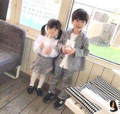 Cute Little Baby, Cute Baby Girl, Mom And Baby, Little Babies, Baby Kids, Cute Asian Babies, Korean Babies, Asian Kids, Cute Babies