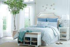 Coastal theme for bedroom