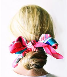 For: Hair That Has a Giant Kink in It If a giant bun is your current bad hair day go-to, give it an upgrade (and hide sleep-induced kinks) with a festive scarf. Spring Hairstyles, Scarf Hairstyles, Pretty Hairstyles, Perfect Hairstyle, Hair Inspo, Hair Inspiration, Bob Hair, Hair 24, Wavy Hair