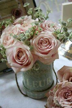 New Nature Flowers Bouquet Ana Rosa Ideas Beautiful Flower Arrangements, My Flower, Pretty Flowers, Pretty In Pink, Floral Arrangements, French Flowers, Small Flowers, White Flowers, Deco Floral