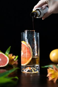 Old Fashioned Paloma - (Bourbon and Grapefruit Cocktail) - Moody Mixologist Grapefruit Cocktail, Grapefruit Soda, Whiskey And You, Mezcal Cocktails, Aromatic Bitters, Honey Syrup, Cocktail Ingredients, Highball Glass, Beverages