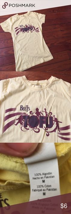 """👙Doug The beets """"Tufu"""" shirt sz med This is an ultimate 90s throwback shirt. If you were a kid that grew up watching the classic nickelodeon show Doug you would know that the band The beets are the best band in the world. This is a classic style concert tee based on the band. It is in great used condition and in a size med. I origin bought this from a daily t-shirt website where it was only available for a day. Get this while you can. Nickelodeon Tops Tees - Short Sleeve"""
