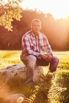 Natural light senior photography that shows the true you