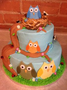 Beautiful owl birthday cake