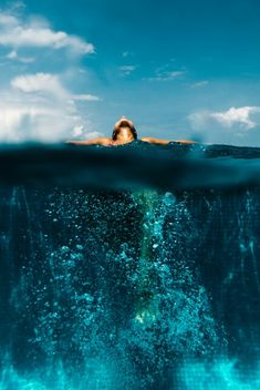 free diver, ocean blues, I Am Zazie swimwear, floating, Hawaii