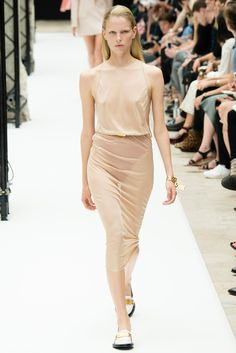 Acne Studios Spring 2015 Ready-to-Wear Fashion Show Collection: See the complete Acne Studios Spring 2015 Ready-to-Wear collection. Look 22 Swedish Fashion, Love Fashion, Fashion Show, Paris Fashion, Spring 2015 Fashion, Spring Summer 2015, Vanity Fair, Acne Studios, Phresh Out The Runway