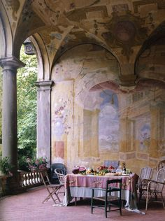 Villa Torrigiann, Lucca Italy, fresco, late 17th century Walls by Florence de Dampierre with photographs by Tim Street-Porter and Pierre Estersohn (Rizzoli Books)