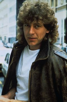 Robert Plant 80's / OH MY GOSH! I WOULD HAVE WALKED RIGHT BY HIM!