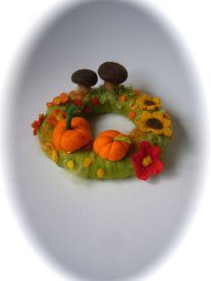 Late sommer Table Wreath.PumpkinFelted van FilzArts op Etsy,