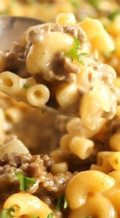 """Cheeseburger Macaroni Skillet ~ This easy, one-pot dinner is a copy of the popular Hamburger Helper version... It uses """"from scratch"""" ingredients to recreate this classic comfort dish in minutes. Flavorful and kid-approved, this is clean eating at it's finest. Hamburger Recipes, Ground Beef Recipes, Meat Recipes, Cooking Recipes, Healthy Recipes, Hamburger Macaroni, Elbow Macaroni Recipes, Homemade Hamburger Helper, Easy Soup Recipes"""