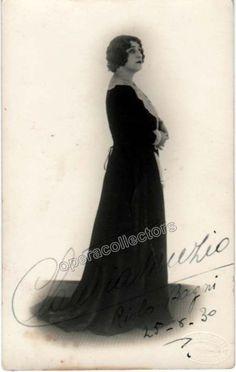 Muzio, Claudia - Signed photo postcard as Maddalena