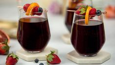 Red wine sangria (CBC)- A perennial go-to, this self-serve sipper is not just for patio season. Best Summer Cocktails, Best Cocktail Recipes, Sangria Recipes, Brunch Recipes, Drink Recipes, Red Wine Cabernet, Red Wine Sangria, Vodka, Wine Guy