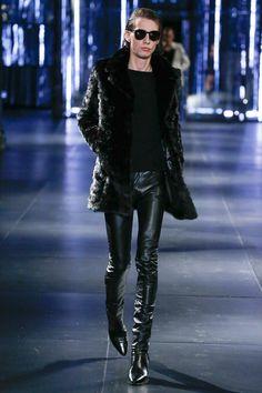 Saint Laurent Fall 2015 Menswear Fashion Show Fashion Moda, Fashion Show, Mens Fashion, Fashion Design, Leather Fashion, Leather Men, Leather Pants, Saint Laurent Paris, Bon Look