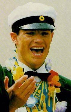 Carl Philip no final do liceu secundário. Princess Victoria Of Sweden, Crown Princess Victoria, Prinz Carl Philip, Princess Sophia, Swedish Royals, Captain Hat, Royalty, Graduation, June