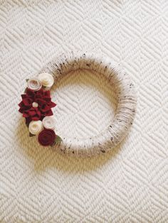 Christmas wreath - I need something low profile to fit between the door & storm door - this would be perfect!