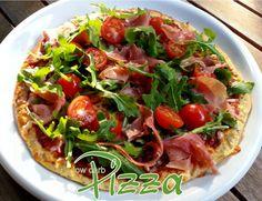 """Pizza mit Parmaschinken und Rucola low carb Klar, dass ein """"low carb"""" Pizzateig niemals an einen traditionell mit Weizenmehl hergestellten heran kommt. Das soll er auch gar nicht…"""
