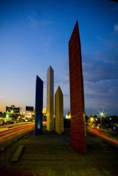 Torres de Satélite, Mexico City (1957–58),Luis Barragan in collaboration with Mathias Goeritz